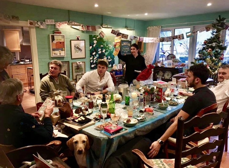 To show TCQC's photo of his family on Boxing Day